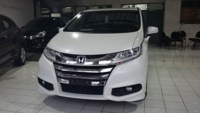 2017 Honda Odyssey front