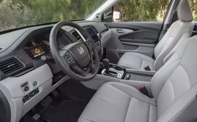 2020 Honda Ridgeline interior