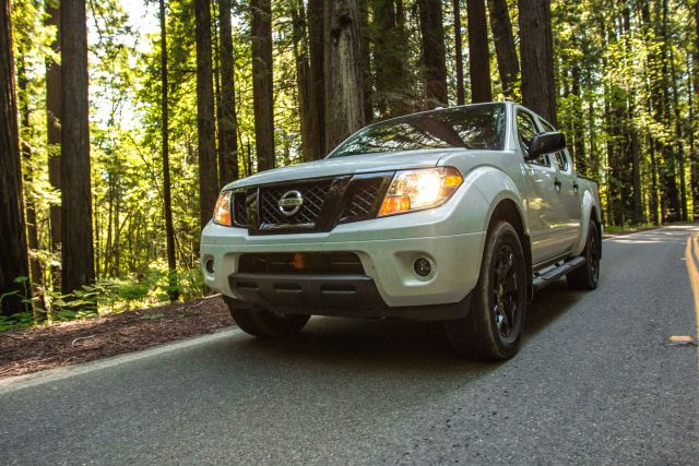 2021 Nissan Frontier front