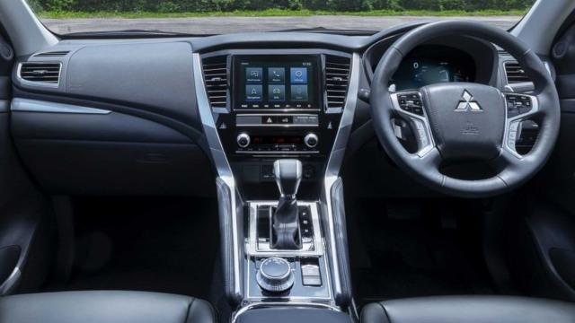 2021 Mitsubishi Pajero Sport interior