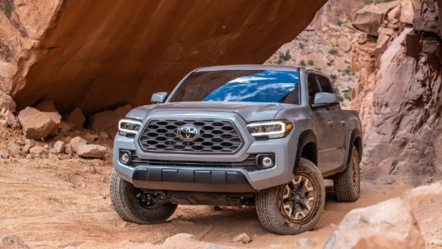 2021 toyota tacoma hybrid facelift release date